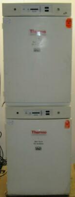 Dual Thermo Electron 370 Series Ii Water Jacketed Co2 Incubators Mfg 091304