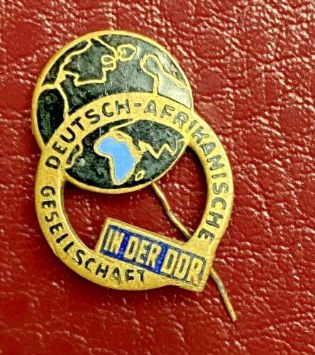 Germany In der DDR - Africa Deutsch - Afrikanische Friendship pin badge lapel