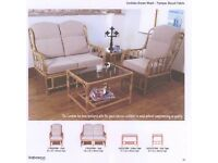 Excellent quality conservatory suite comprising of 2 seat settee, 2 single armchairs