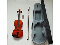 1/4 Size Violin with case