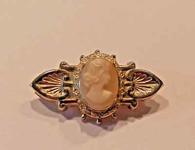 VINTAGE CARVED SHELL CAMEO BROOCH PIN