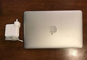 "2013 Apple MacBook Air 11"" 4GB Ram 128GB SSD Waikiki Rockingham Area Preview"