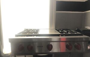 "36"" Wolf Range Gas cooktop"