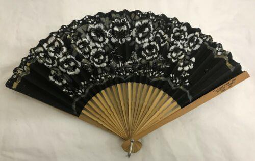 VTG HAND PAINTED BLACK GOLD FLOWER JAPAN PAPER BAMBOO WOOD FOLDING SENSU FAN