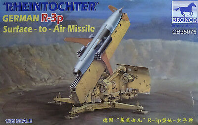 BRONCO CB35075 WWII German Rheintochter R-3p Surface-to-Air-Missile in 1:35