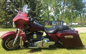 2008 Harley Davidson Street Glide-see all the extras included