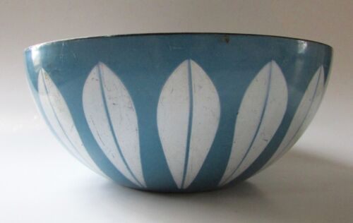 Vintage CATHRINE HOLM Norway LOTUS Bowl Blue & White Enamelware 8""