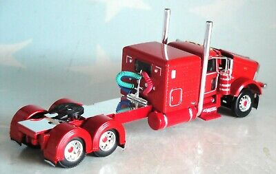 """DCP RED PETERBILT 389 WITH 63"""" SLEEPER 1/64 60-0691 1"""