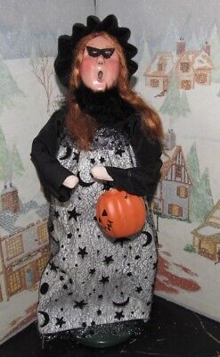 Byers Choice Caroler Halloween Witch