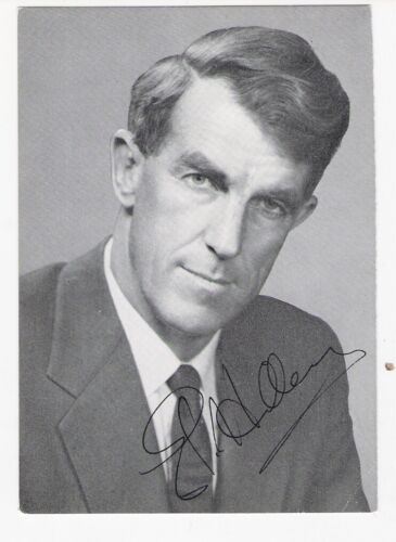 Sir Edmund Hillary. Mountaineer and Explorer. B/w, 3¼x4¾, Signed Photo