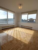 (3 1/2)  Penthouse with Breathtaking views, brand new renovation