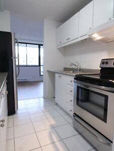 Large 1 bedroom, ideal for retirees and seniors, Quebec City