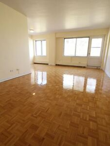 Free 1 month-Renovated 1 BR,pool-Cote Des Neiges-Montreal