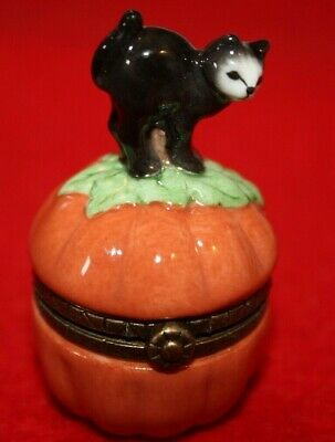 Porcelain Hinged Box Midwest Cannon Falls - Halloween Black Cat on Pumpkin