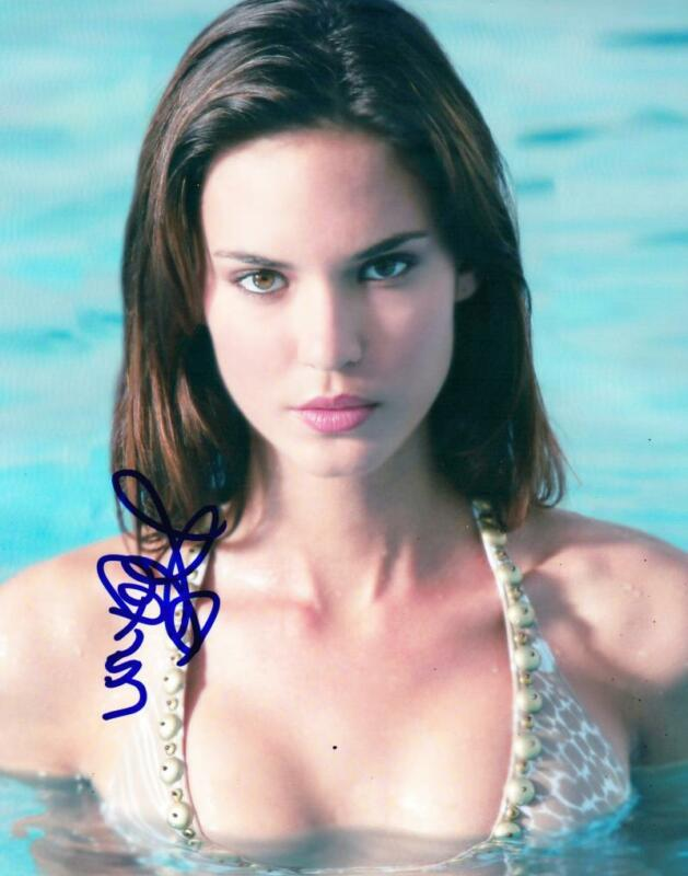 HOT SEXY ODETTE ANNABLE SIGNED 8X10 PHOTO AUTHENTIC AUTOGRAPH COA