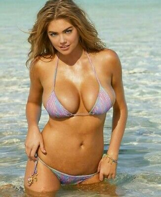 KATE UPTON -WHAT A BIKINI AND WHAT A BODY !!!