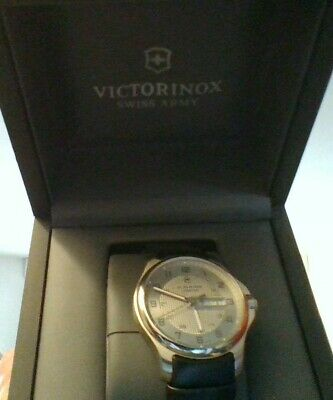 victorinox Swiss Army watch Brand new in box with manual