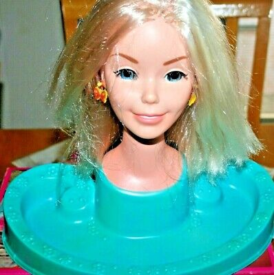 Vintage 1971 Barbie Doll Bust Styling Head Hair Dresser-Used