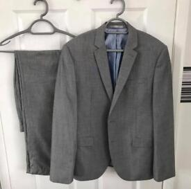 Men's Light Grey Suit