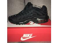 Black TNs Nike trainers size 8 new boxed