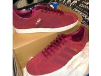 Adidas gazelle mens size 9 suede red burgandy trainers new in box never worn