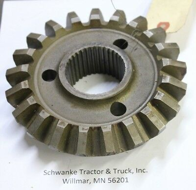 A65968 Case Rh Differential Gear For 1270 - 1370