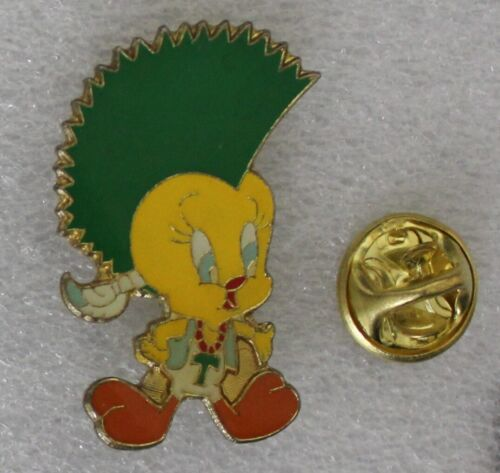 1990s Warner Bros PUNK TWEETY pin 3 x 2 cm. approx. VHTF