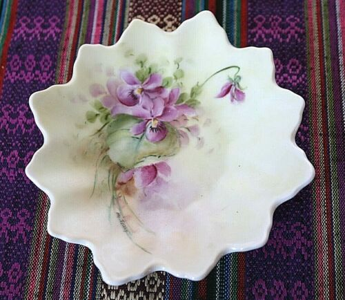 "Sweet Antique Porcelain Hand Painted Violet Plate 5"""