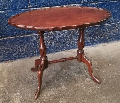 Vintage ~Small ~Pie Crust Top ~Occasional Table ~Side Table~ Coffee Table~VGC