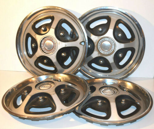 "Lot of Four, Ford Motor Company Hubcaps 16"" diameter Used Hub Caps D6UA-1137 B"