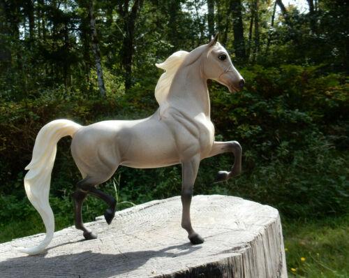 Breyer National Show Horse ~ flea bitten grey with dappling ~ Treasure Hunt