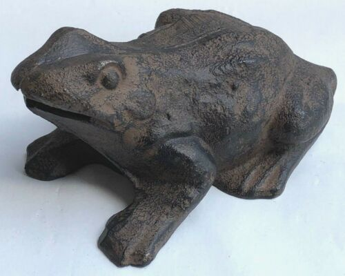 GREAT VINTAGE IRON FROG!