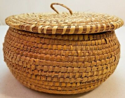 Vintage Round Wicker Basket With Lid Natural Tight Woven Soft Reed