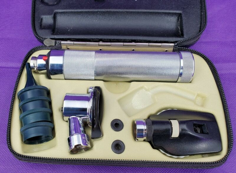 Welch Allyn 20200 Pneumatic Otoscope Ophthalmoscop Diagnostic Set - Veterinarian