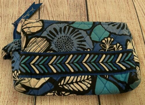 Vera Bradley Cosmetic Bag in Blue Bayou - Make-up Case - Floral - Blues/White