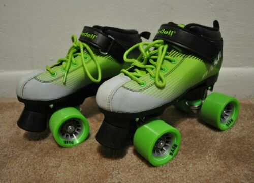 Riedell Dash Kids Youth Quad Roller Skates Blades Green White Black Size 4