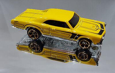 Hot Wheels GDG44-11 Pontiac GTO dunkelrot Maßstab 1:64 NEU °