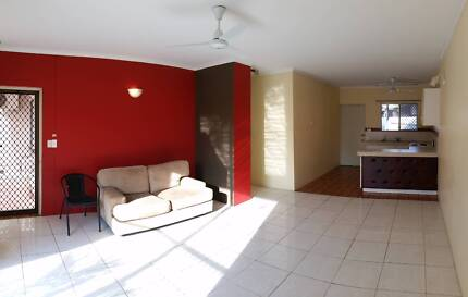 2 bedroom, 1 bathroom unit, 2 car park - Leanyer $300 / week