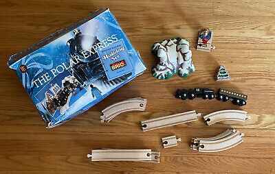 BRIO Polar Express Wooden Train Set Engine Passenger Car Christmas 32501