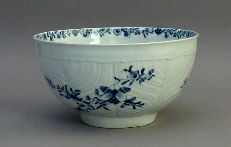 ANTIQUE WORCESTER BOWL, DR. Wall, FEATHER MOLDED. FIRST PERIOD. 18th century1765