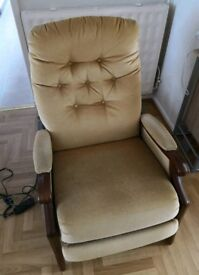 2 x motorised recliner chairs for sale