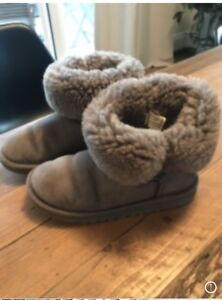 UGG Youth Size 4 Winter Boots