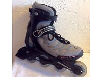 Rollerblade Inline skates/ pads & bag.