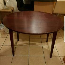 Round Foldable Dinning Table