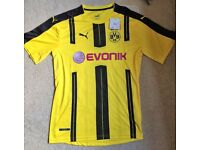 Borussia Dortmund 2016/17 Football Shirt (Medium)