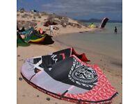 Kitesurfing: 3x Kite: 8m2, 12m2, 14m2
