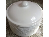 white glazed pottery biscuit barrel