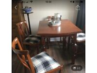 Dining Table and 4 chairs tartan