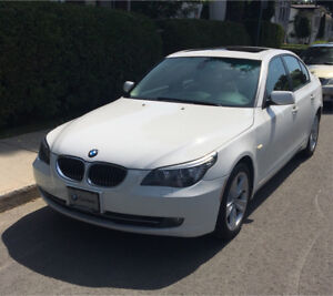2008 BMW 528 XI White - Fully Loaded - Nav - AWD