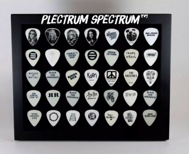 "PLECTRUM SPECTRUM™ 8"" x 10"" Guitar Pick Display BLACK - FRAME INCLUDED!"